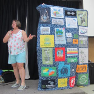 LaurelMerrill customert-shirtquilt (1)
